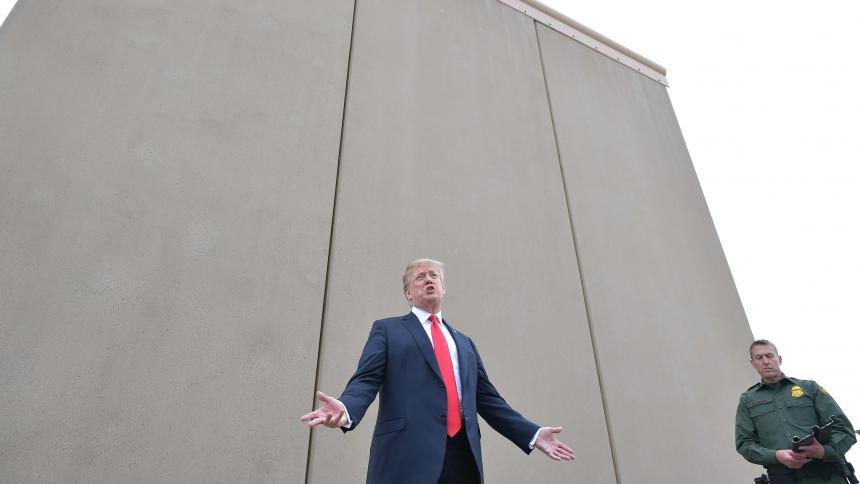 Pentágono autoriza USD 1.000 millones para muro de Trump