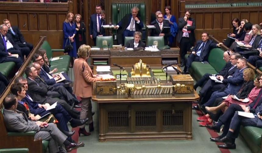 Parlamento niega por tercera vez salida de Reino Unido de la UE