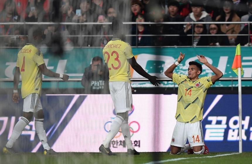 Sorprende Queiroz: ha identificado a 1.074 colombianos en fútbol del mundo