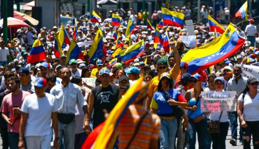 Liberan a diputados venezolanos detenidos durante protesta