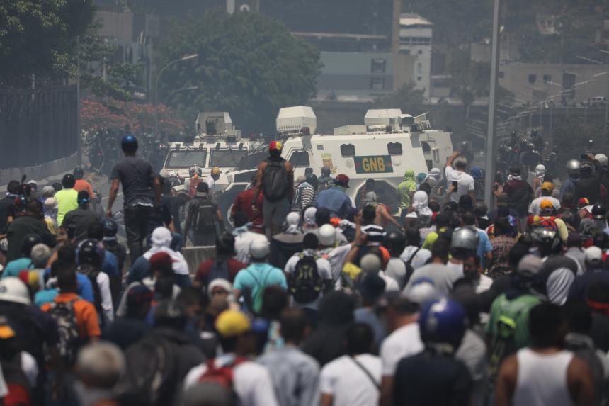 Rusia llama a evitar la violencia y enfrentamientos en Venezuela
