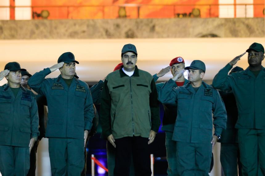 Fiscal pide detener a 18 civiles y militares por levantamiento contra Maduro