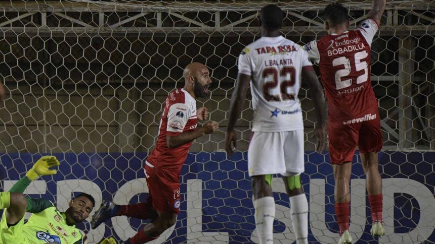 Argentinos Juniors venció a Tolima en el último suspiro