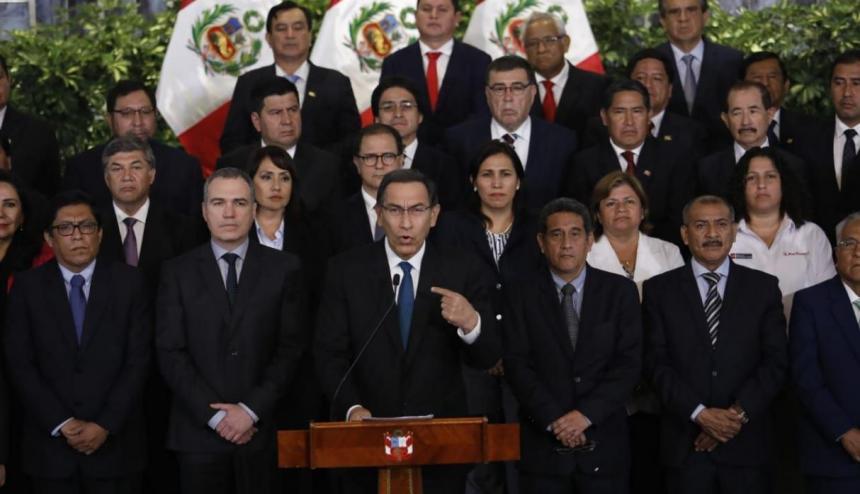 Martín Vizcarra, predidente del Perú, se pone a disposición de la Fiscalía