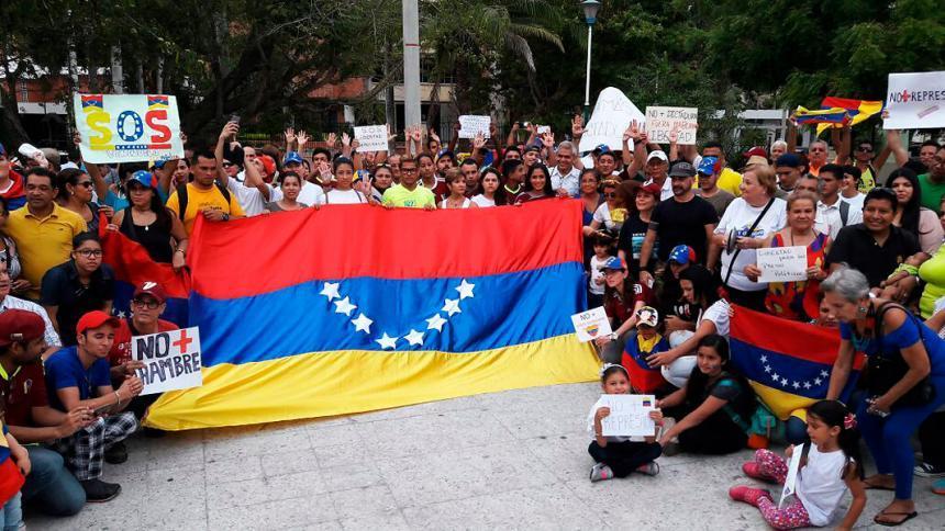1,4 millones de venezolanos en Colombia y la mitad en condición irregular
