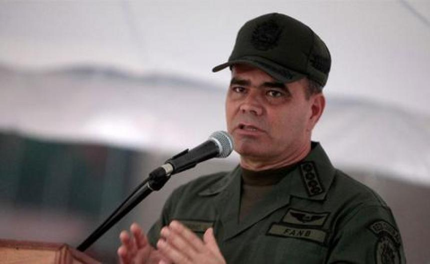 Militares venezolanos participan en recolección de firmas contra bloqueo de EEUU