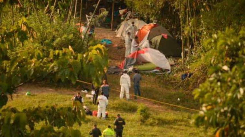 Cinco personas fueron asesinadas mientras acampaban — Masacre en Caldas
