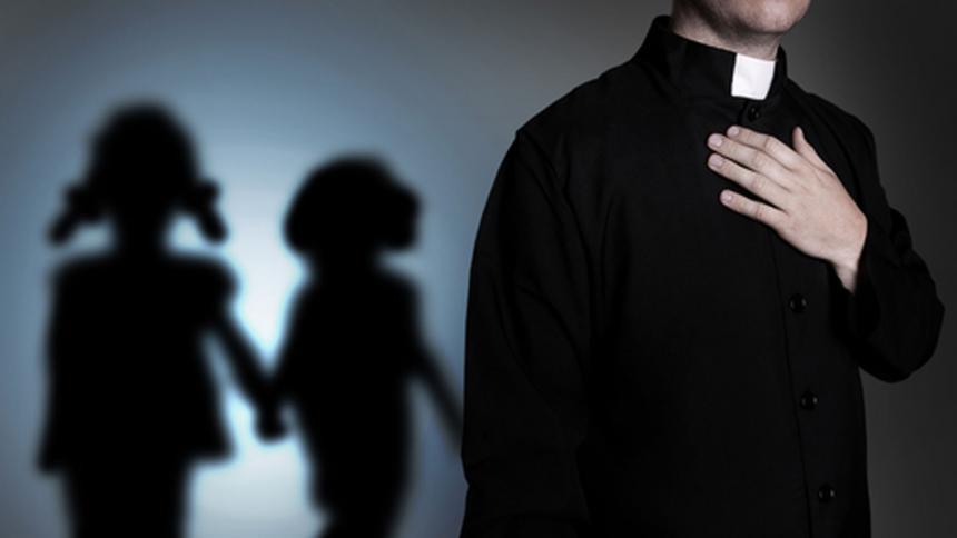 Iglesia en Panamá suspende a 3 sacerdotes acusados de inconductas sexuales