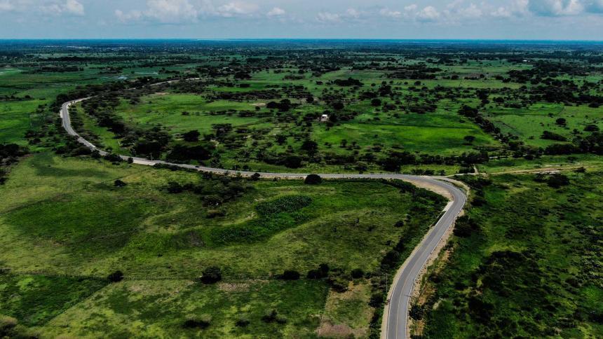 Resultado de imagen para verano entrega nuevo tramo de 5,4 kilómetros de la Transversal del Sur.