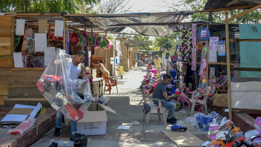 Resultado de imagen para Llegan las ferias navideñas a distintos puntos de la ciudad con artículos de temporada y juguetes