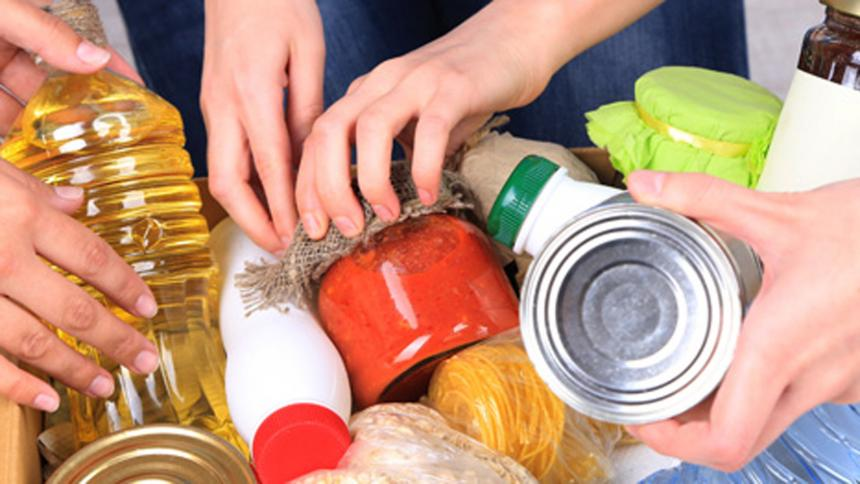 Exalcalde Char y varios amigos donan 56.000 mercados para familias ...
