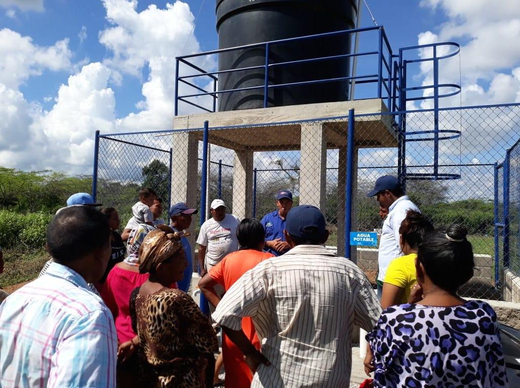 El tanque de agua que abastece a la comunidad wayuu Chi Chi Tuy aledaña al CAI de la ACNUR.
