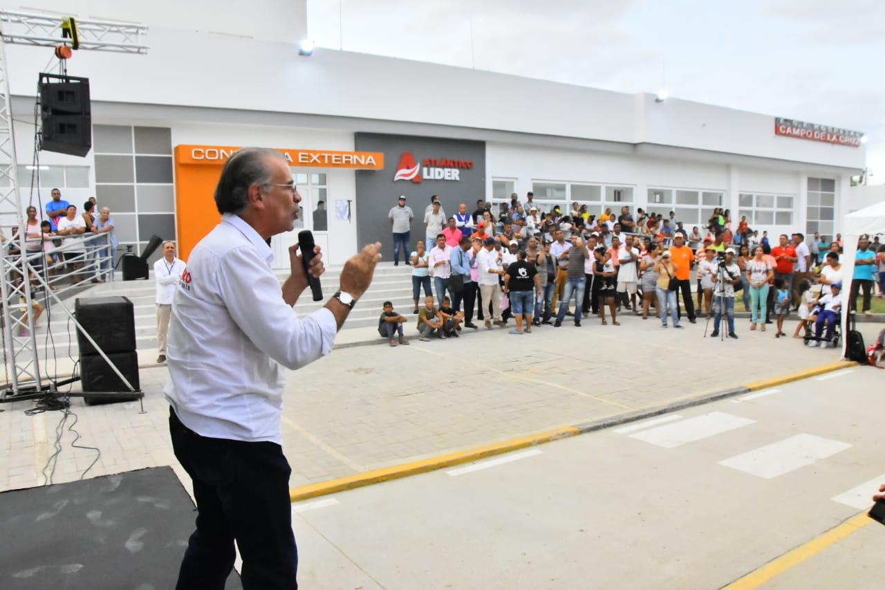 El gobernador Verano durante la rendición de cuentas en Campo de la Cruz.