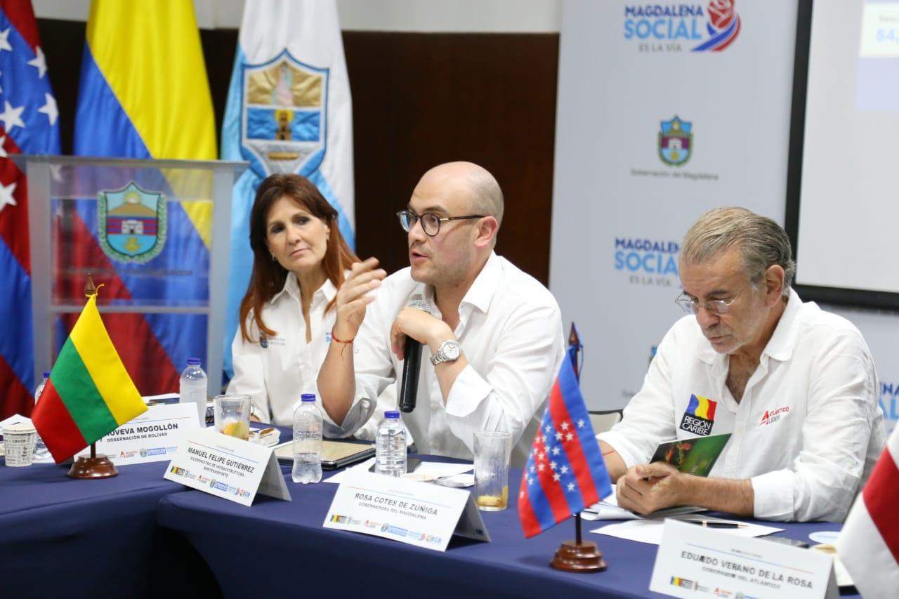 La gobernadora del Magdalena, Rosa Cotes; el viceministro de Infraestructura, Manuel Gutiérrez, y el gobernador del Atlántico, Eduardo Verano, durante la reunión del Ocad.