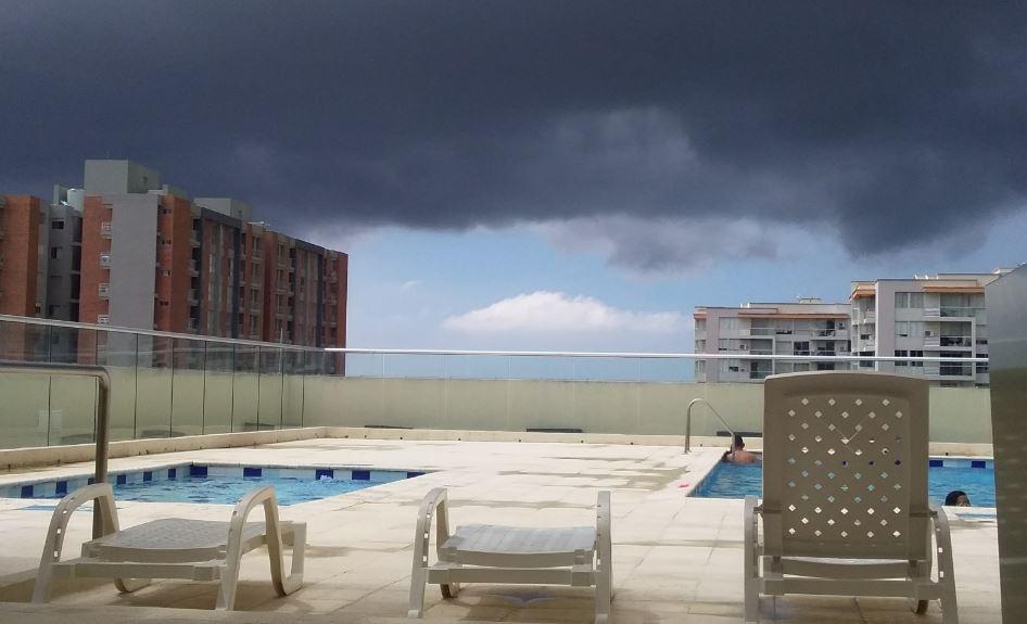 Imagen del cielo nublado, captada desde Villa Carolina.