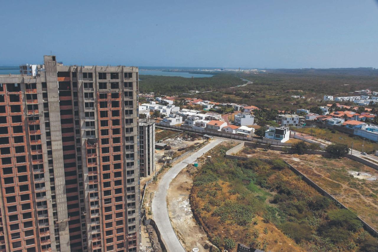 Panorámica de edificaciones en el norte de Barranquilla.