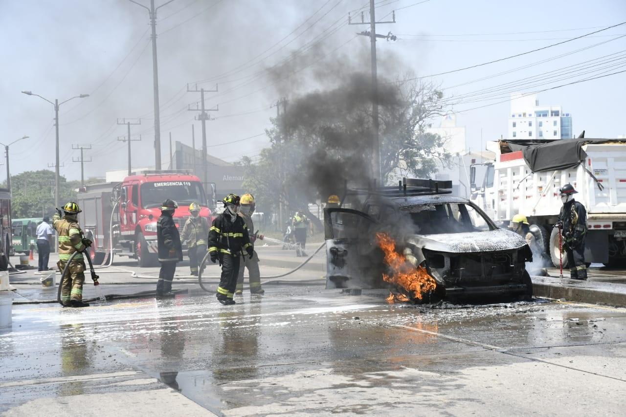Resultado de imagen para carros incendiados en colombia