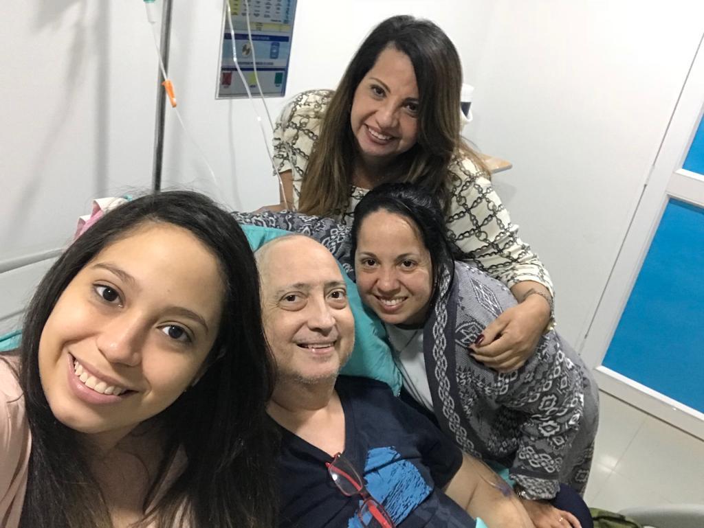 La última foto de Eduardo José, junto a él Jannia, Johana y Marjorie.