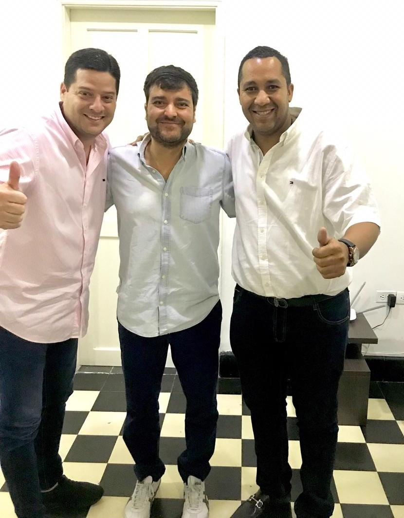 De Izq. a Der. Mauricio Gómez, senador de la República; Jaime Pumarejo, alcalde electo de Barranquilla; José Ramiro Bermúdez Cotes, alcalde electo del distrito de Riohacha.  