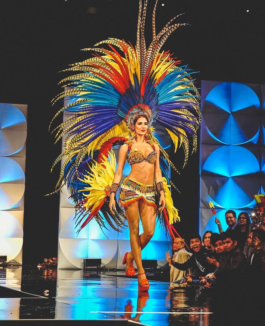 Gabriela luciendo su traje típico en la preliminar.