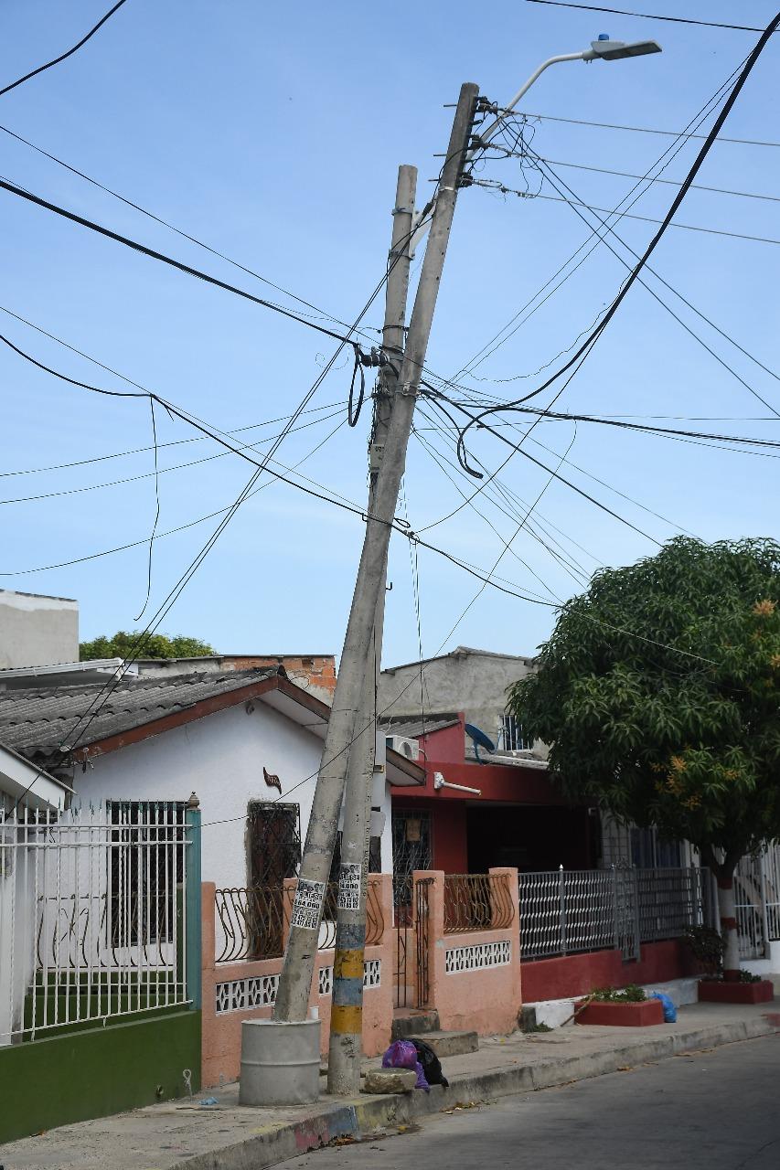 Este es el aspecto del poste que preocupa a los vecinos.
