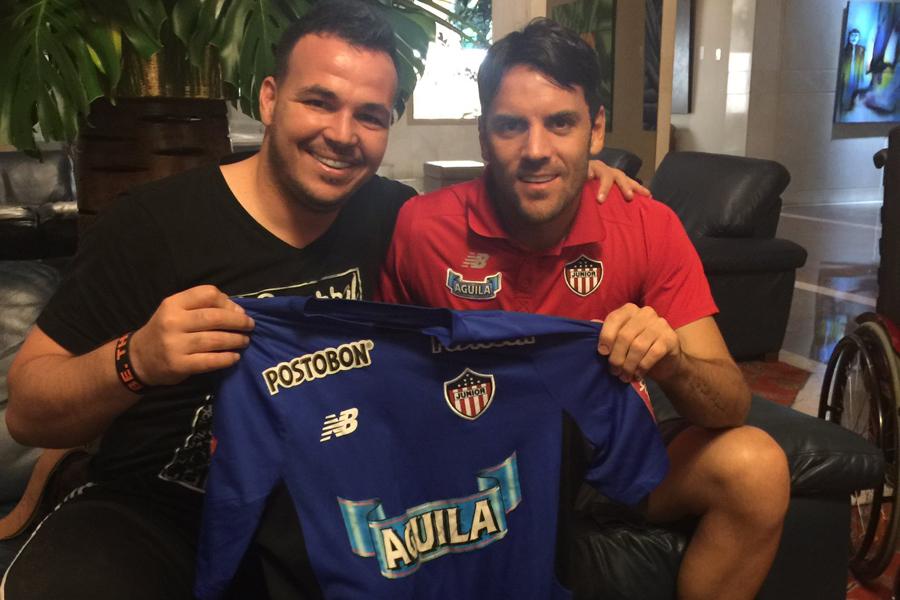 Alexis comparte una amistad con Sebastián Viera.