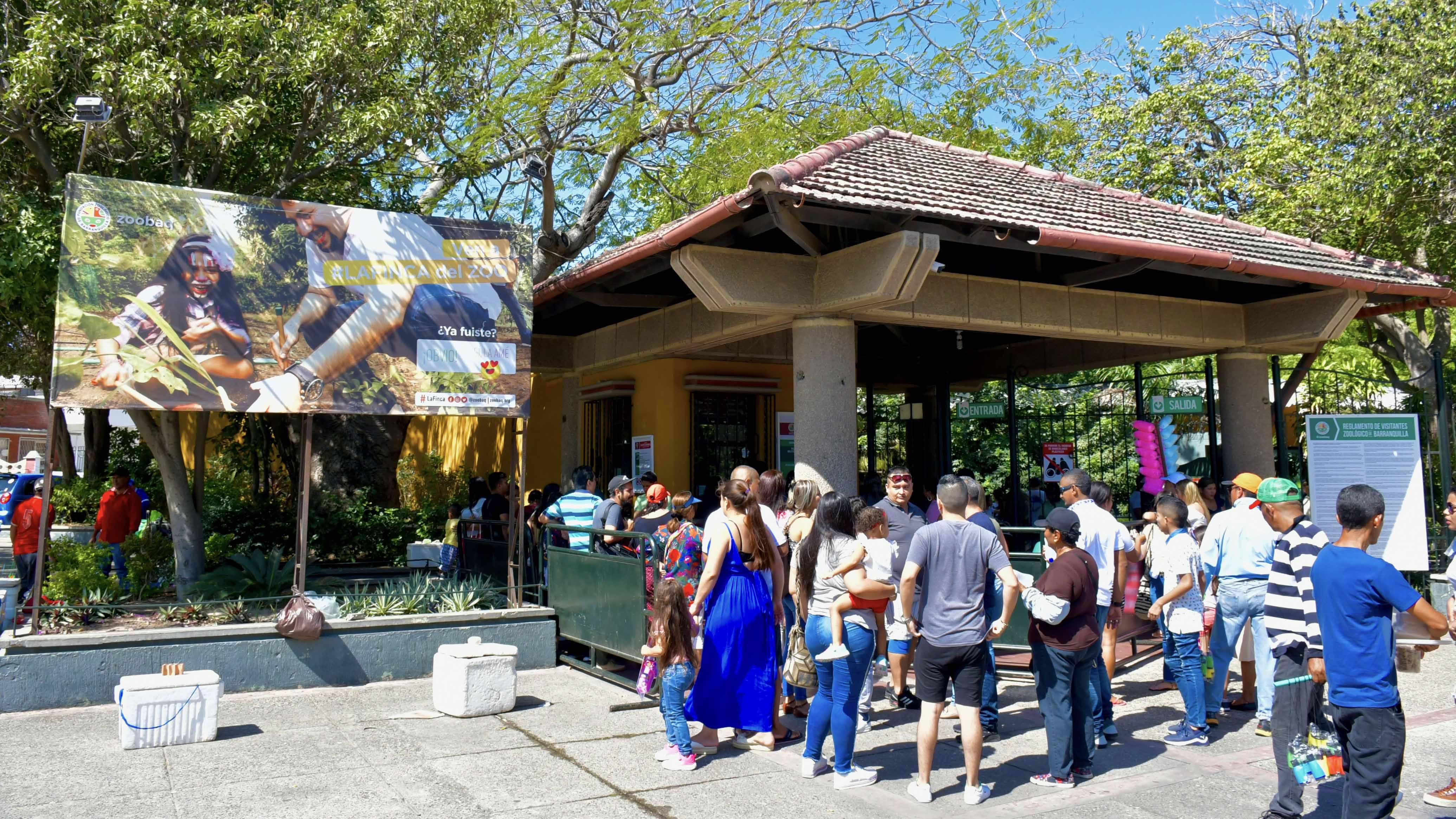 Ayer domingo había filas desde temprano para ingresar al zoológico de Barranquilla.
